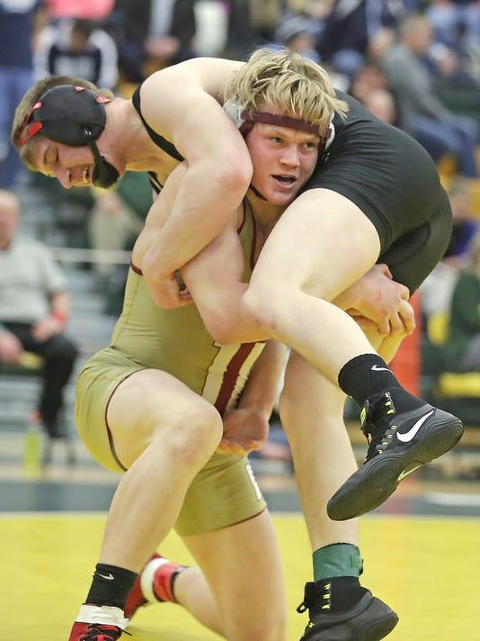 636224429406991185-02-021117-wrestling-JM-1540.jpg