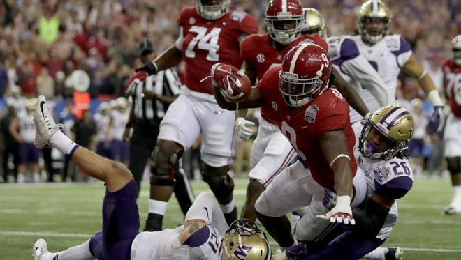 Bo Scarbrough and Alabama are once again the favorites to win the national championship, but must hold off a familiar crop of contenders.