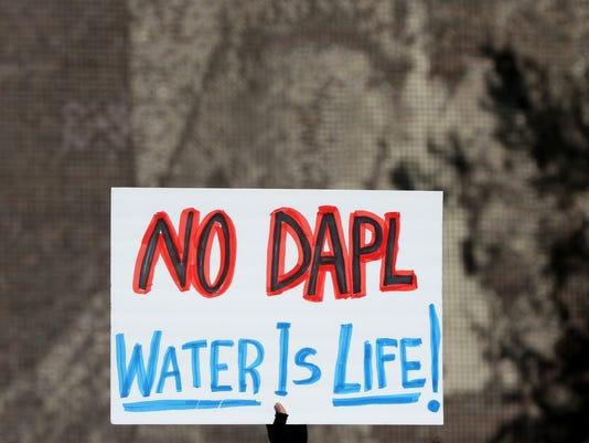 636138809420787600-SPJ-20161104-Standing-Rock-Protest-09.jpg