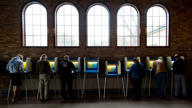 Milwaukee residents vote during the 2014 primaries.
