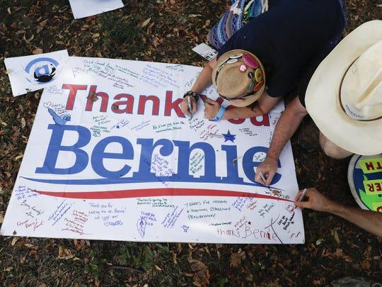 Supporters of Sen. Bernie Sanders, I-Vt., write comments