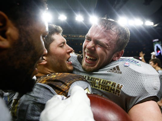 636164490037115041-WMU-Cotton-Bowl.jpg