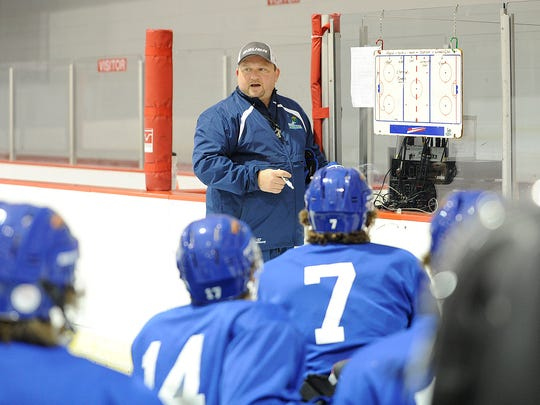 Wisconsin Rapids Riverkings coach Marty Quarters instructs his players during a practice earlier this month at the South Wood County Recreation Center in Wisconsin Rapids.