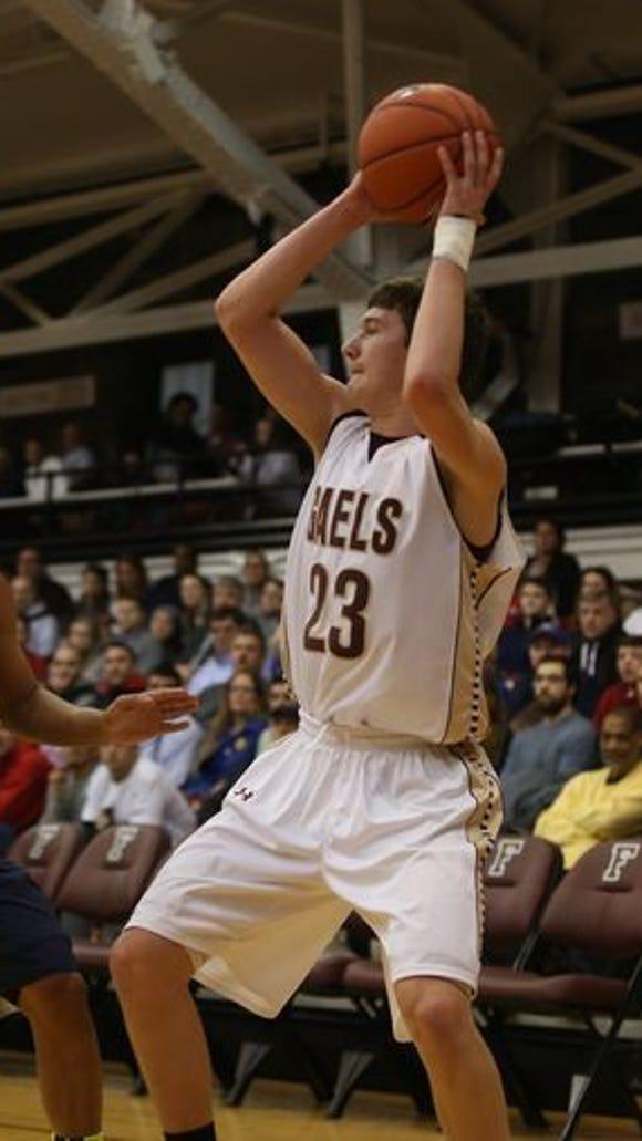 Iona Prep loses 50-48 to Xaverian in CHSAA AA semifinals