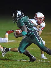 Spackenkill's Dhyquem Lewinson breaks away from a Red