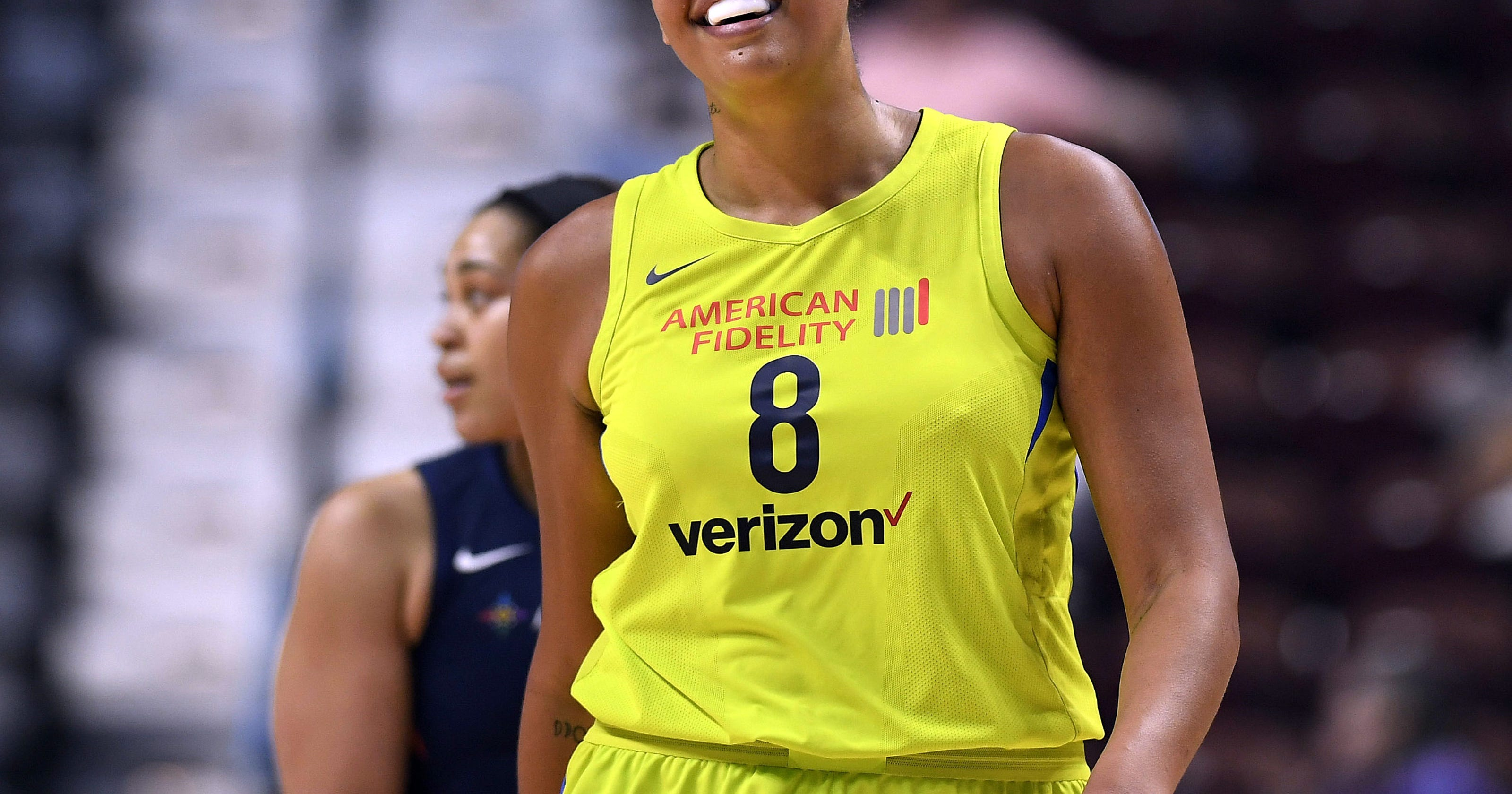 dallas wings liz cambage sets wnba record with 53 points