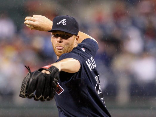Atlanta Braves' Tommy Hanson pitches in the second