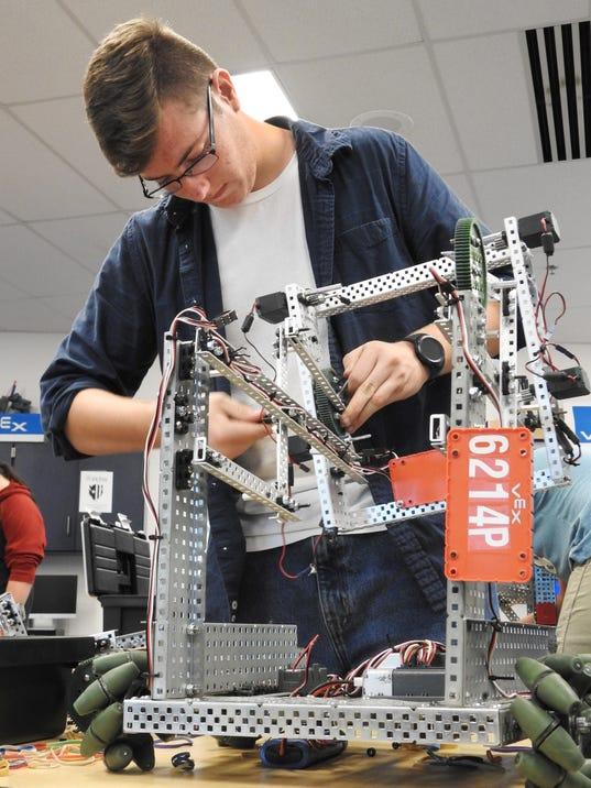 636457463794872828-bennett-robotics-002-.JPG