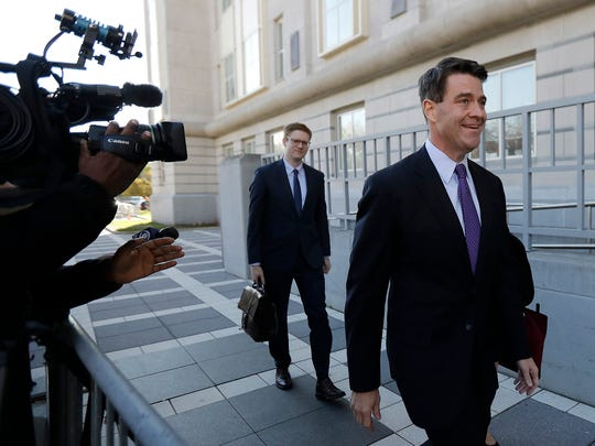 Bill Baroni, right, New Jersey Gov. Chris Christie's former top appointee at the Port Authority of New York and New Jersey, arrives at federal court in Newark on Nov. 4, 2016.