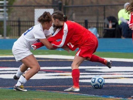 Shore's Julia Eichenbaum battles Glen Ridge's Jessica