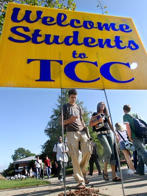 Professors, counselors and librarians at Tallahassee Community College have voted to unionize.