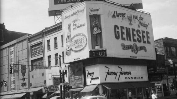 1950s picture of the corner of East Main Street and North Clinton Avenue in Rochester.