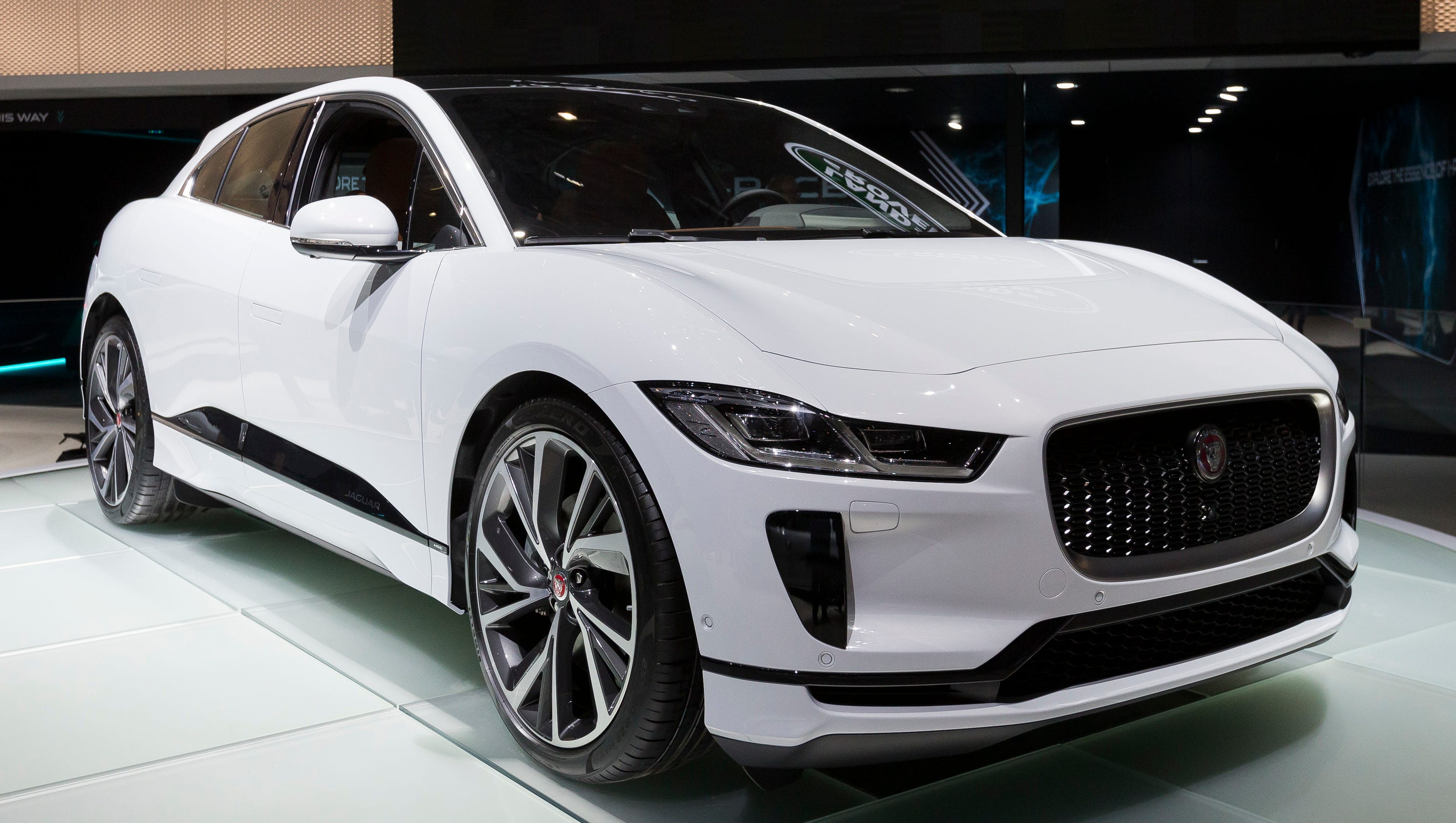 car discovery jaguar reviews the week sport prices list price and specs land uk rover