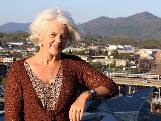 Author Beth Macy.
