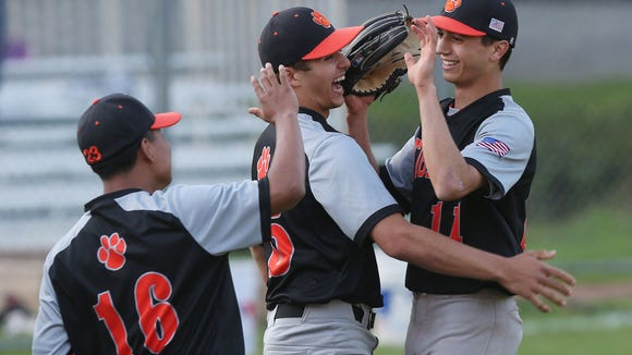 White Plains defeated Scarsdale 7-1 in baseball action at Scarsdale High School May 8, 2018.