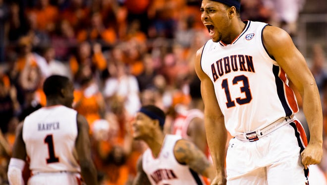 Auburn Tigers forward Desean Murray (13) celebrates three point basket during the NCAA basketball game on Wednesday, Feb. 21, 2018, in Auburn, Ala.