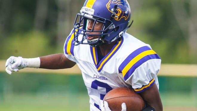 Camden wide reciever Damon Rice (3) rushes against Cedar Creek at Cedar Creek High School on Saturday, September 30.