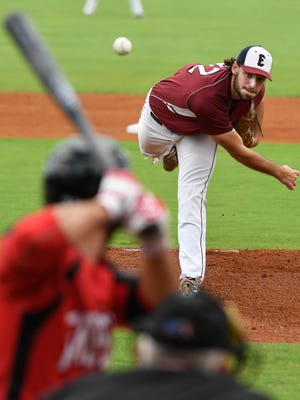 Evansville Otters pitcher Shane Weedman throws to Florence Freedom's Taylor Oldham in the first inning of Saturday's match-up at Bosse Field, August 20, 2016.