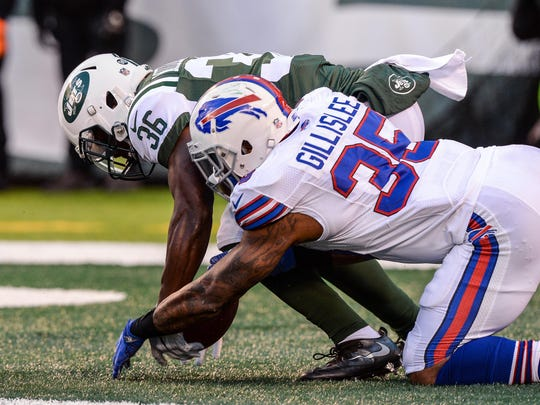 Mike Gillislee's mental mistake allowed New York's Doug Middleton to score a gift touchdown.