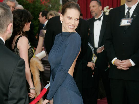 2005 | Best actress: Hilary Swank in Guy Laroche |
