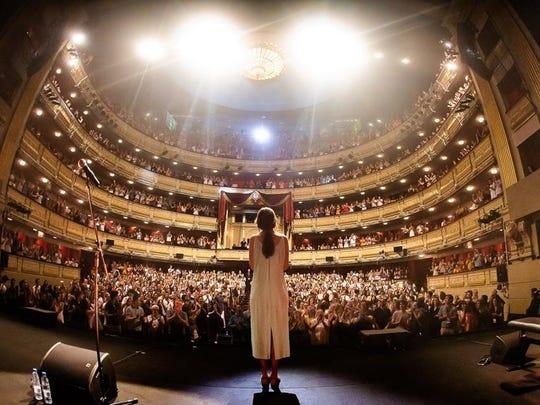 El Teatro Real de Madrid, se rindió ante su talento.