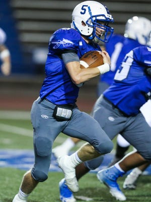 Lake View's Elliot Peterson runs the ball against Lubbock Friday, Oct. 20, 2017, at San Angelo Stadium.