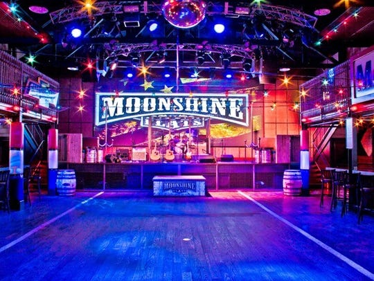 Moonshine Flats honky-tonk bar plans to open in Nashville