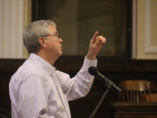 Anderson County resident Jerry Lark speaks in opposition