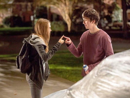 cara-delevingne-nat-wolff-paper-towns