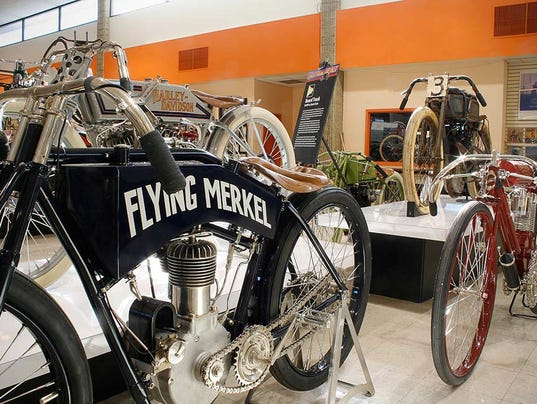 motorcyclepedia-old-racers_1024