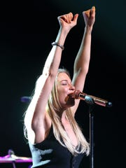 LeAnn Rimes wowing the audience.