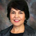 Charlene Fernandez representa el Distrito 2 en la Cámara de los Representantes de Arizona.
