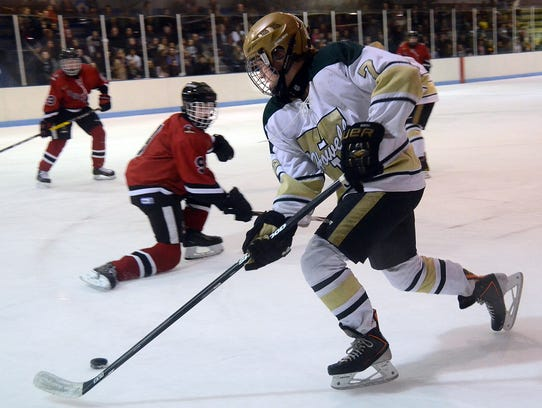 Josh Seiter (7) scored at 13:59 of the first period