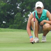 Lady Cougars' Tomlinson leading 2A state golf