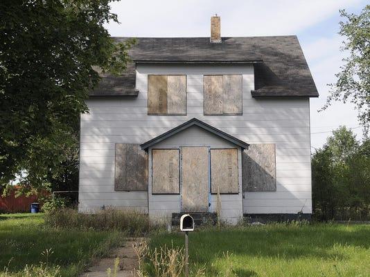 STC 0920 problem houses 1