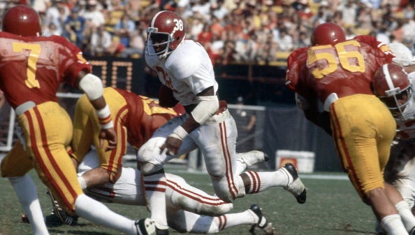 Alabama Johnny Davis (38) in action, rushing at Los Angeles Memorial Coliseum. Los Angeles, CA 10/8/1977 CREDIT: George Long