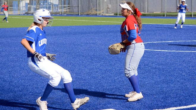 Carlsbad split Thursday's district twin bill with Las Cruces, losing 10-4 and winning 8-6.
