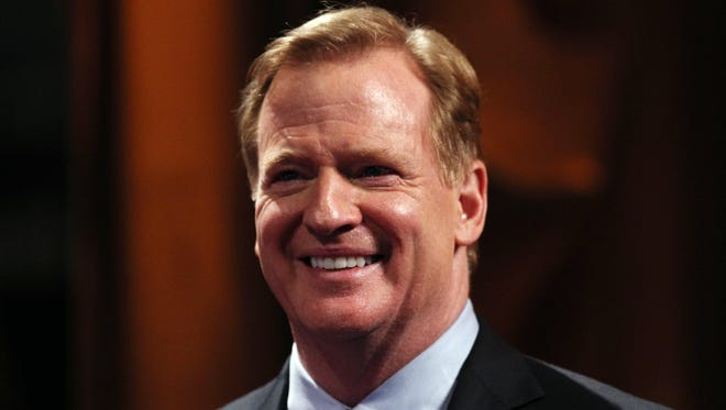 Roger Goodell announced Minnesota would be the host of Super Bowl 52.