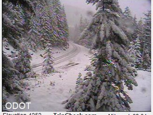 The Cascade Mountain passes are expected to look a bit like this during the next few days.