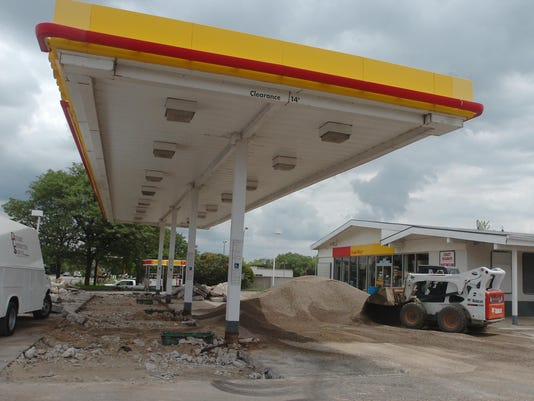 2 FRM Shell station