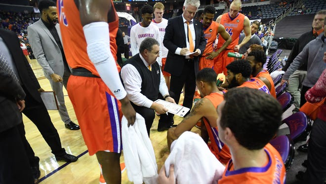 Marty Simmons talks to University of Evansville players during a game against Illinois State in December 2017. Simmons has joined Evansville native Brad Brownell's staff at Clemson.