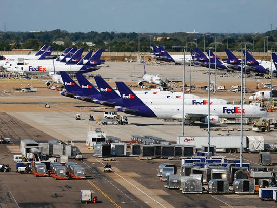 Mike Brown/The Commercial Appeal Some analysts said they expected earnings results from the FedEx Ground unit to lag slightly due to lower-than-expected peak season shipping demand. October 18, 2016 - The ramp at the FedEx Hub at Memphis International Airport bustles with activity during the day sort. (Mike Brown/The Commercial Appeal)
