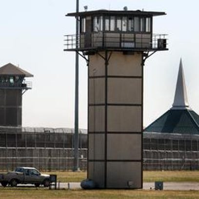 Prison siege choreographed; officers beaten for hours
