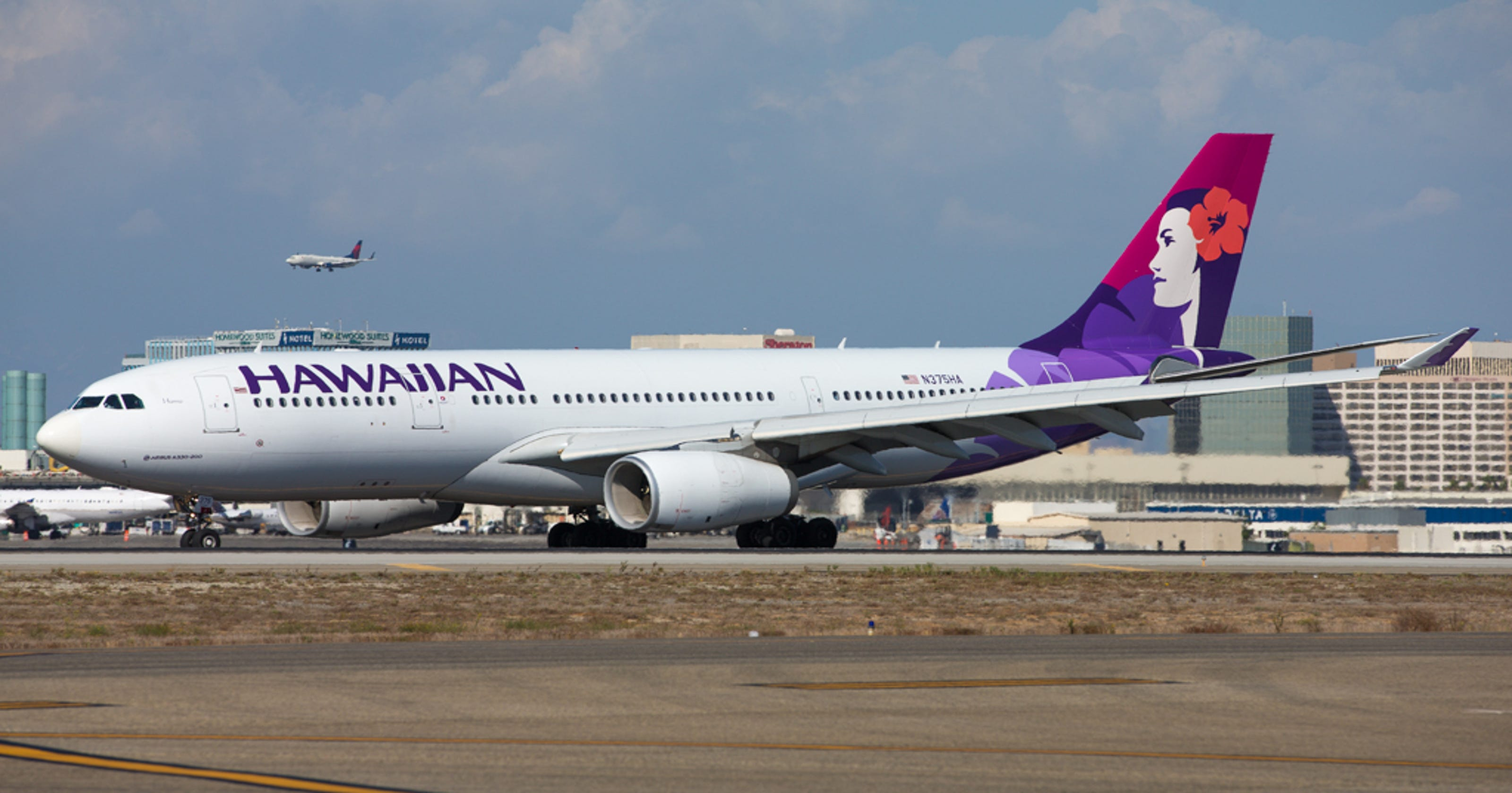 Hawaiian Airlines, Japan Airlines want 'joint venture'