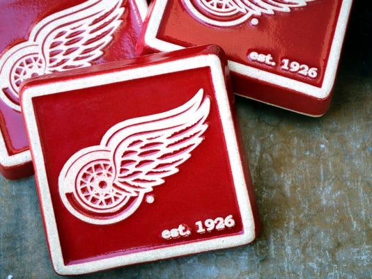 635803465164672411-red-wings-