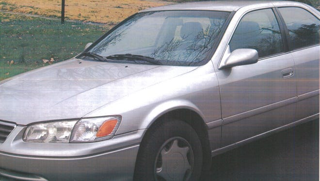 A Toyota Camry model between 1997 and 2001, like the one pictured here, was used in a 2017 hit-and-run that killed a Thousand Oaks man.