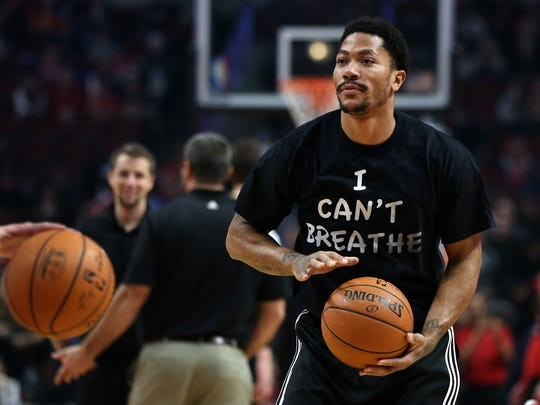 "Bulls guard Derrick Rose wears a shirt reading ""I Can't Breath"" while warming up for a game on Dec. 6, 2014 at the United Center in Chicago."