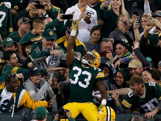 636400549697597420-AP-Rams-Packers-Football.jpg