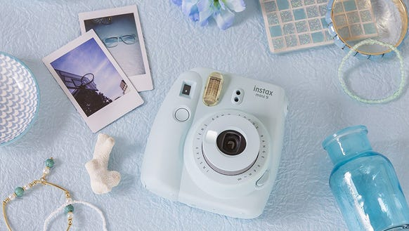 Snap pics with instant gratification.