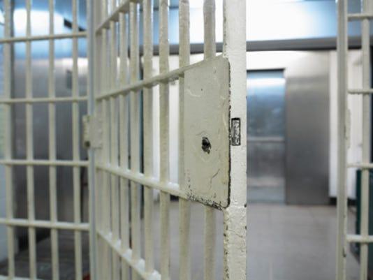 635869379280382393-jail-bars.jpg